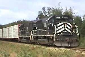 NB East Coast Railway freight at Belledune, 2007/09/04